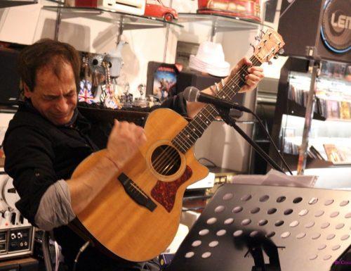 Massimo Priviero presenta il nuovo album con una performance live