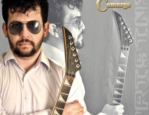 Il guitar player brasiliano Ricky de Camargo arriva in Europa
