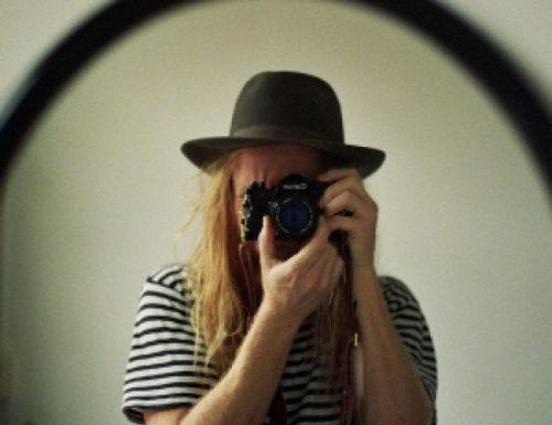 Nuovo album per il cantautore australiano Stu Larsen